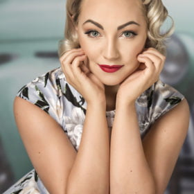 pin up makeover photoshoot
